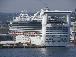 Golden_Princess_from_Elliott_Bay_2-300x225